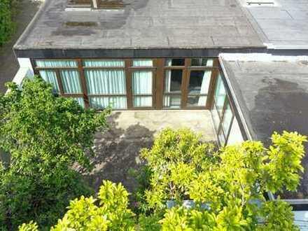 GETEVIERTEL - Heller Flachdachbungalow, Südlage, mit Terrasse, Garten, Innenhof, ebenerdig, 93 m²