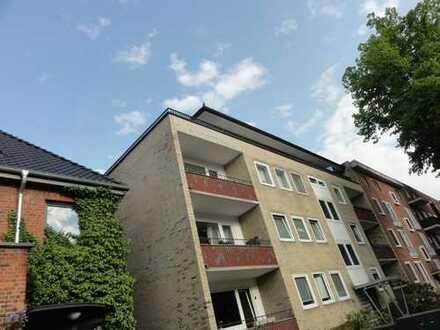 * FUHLSBÜTTEL / Maienweg * Helle, umfangreich sanierte 3-Zimmer-88m²-Wohnung in guter Lage