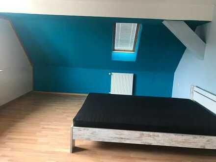 899 €, 190 m², 5 Zimmer