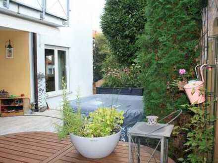 ***Moderne 3,5 Zimmererdgeschosswohnung mit uneinsehbarem Garten***