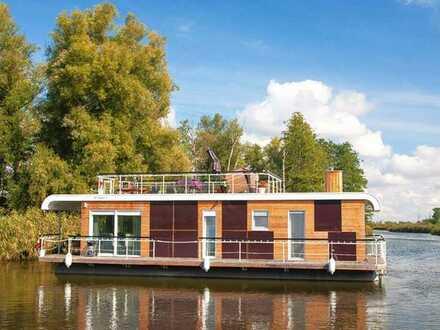 Modernes Hausboot - Wohnen und Leben auf dem Wasser !