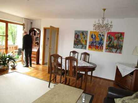 Schöne Möblierte 3,5-Zimmer-Maisonette-Wohnung in Haushälfte