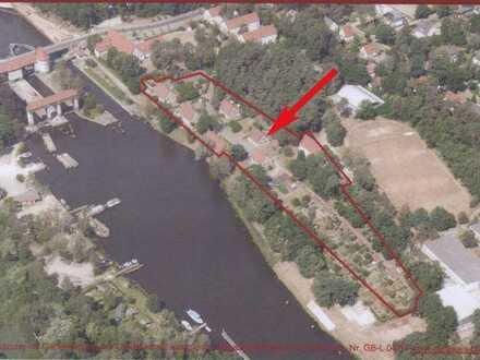Wasserblick! Idyllische & kernsanierte Doppelhaushälfte am Teltowkanal mit Garten