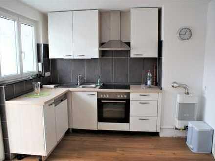 Große 1,5 Zi-Wohnung teilmöbliert, zentrumsnah