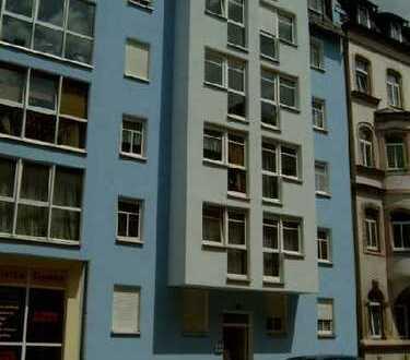 Schöne 2-Zimmer-Wohnung mit EBK