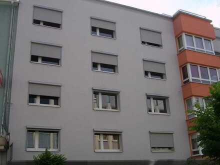 Renovierte, schöne, helle Wohnung 4 ZKB
