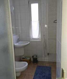 Altbau-Charme: 1 Zimmer in einer 4-er WG-Wohnung 72622 Nürtingen, Neuffener Str.