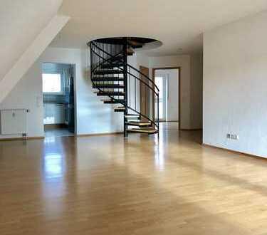 Von Privat: Sehr gemütliche 3 Zimmer Maisonette-Wohnung im ruhigen Zentrum von Weil der Stadt