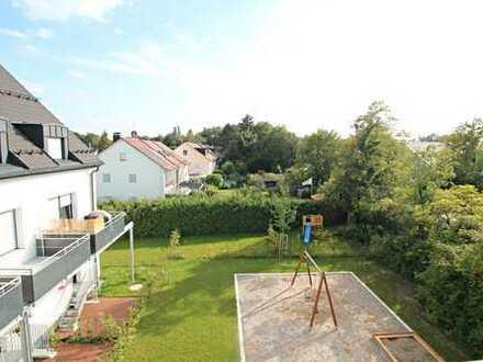 Erstbezug: Traumhafte 4-Zi.-DG-Whg. mit Westbalkon und Gartenanteil in München-Obermenzing