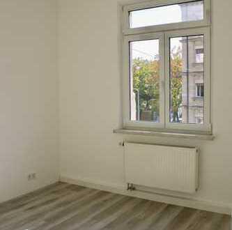 Schöne helle Wohnung, erst Ende 2018 komplett saniert, in Schoppershof