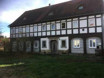 Günstige, vollständig renovierte Erdgeschosswohnung in Großschönau