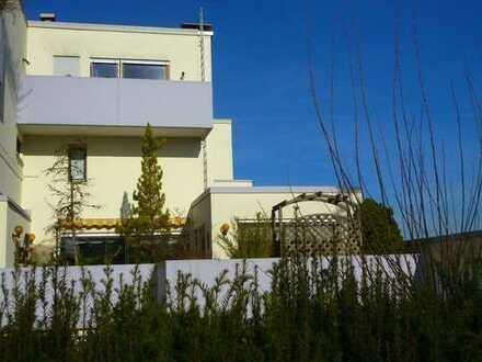 Haus im Haus mit 5,5 Zimmern, 161 m² Wohnfläche, 3 Freisitzen & Kaminzimmer in Stadtrandlage!