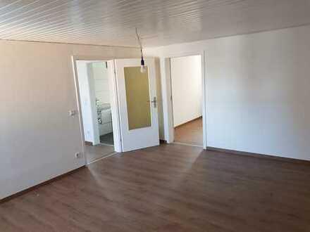 Erstbezug nach Renovierung, provisionsfrei, in Rosbach-Rodheim, eigener Eingan, großer Balkon, 90qm