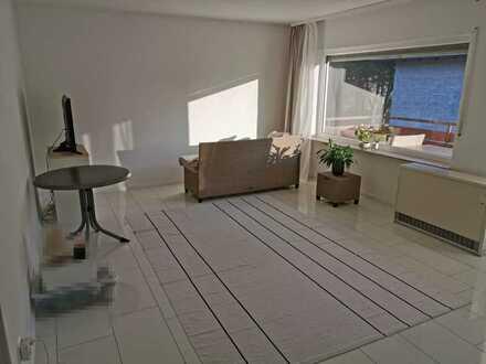 Schöne helle 2-Zimmer-Wohnung mit großem Balkon in Linkenheim-Hochstetten