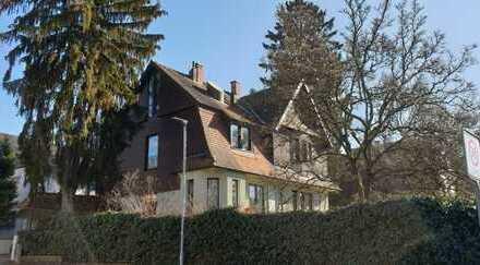 3 Büroräume in wunderschöner, renovierter Altbauville in Bensheim-Auerbach! (109qm)