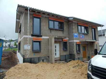 ERSTBEZUG - Wohnen auf der Kenner Ley KFW 55 - DHH - 4 Zimmer 132 m² mit Terrasse & Garage