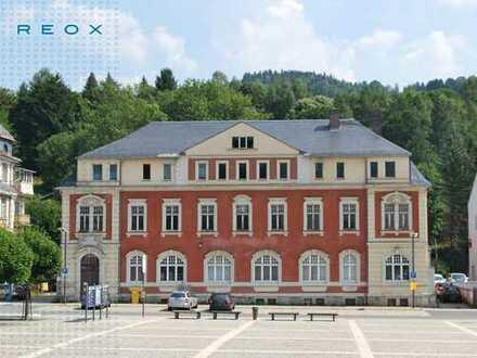 Prachtvolles Verwaltungsgebäude im Zentrum von Klingenthal