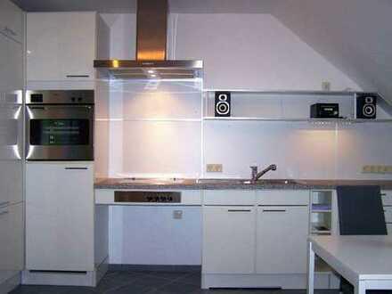 Neuwertige 1-Zimmer-DG-Wohnung, voll möbliert mit toller EBK in Rosendahl