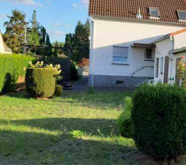 Schönes Haus mit vier Zimmern in Main-Taunus-Kreis, Flörsheim am Main