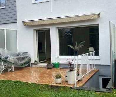 Wohnen auf Zeit! Reihenmittelhaus, teilmöbeliert, mit Terrasse, Garten und Garage