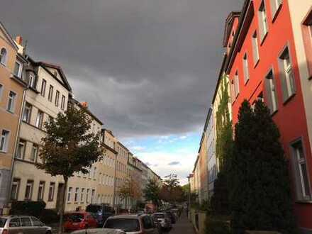 Top-Lage ! Schöne 3 Zi.-DG-Wohnung direkt zwischen der City und der Uni