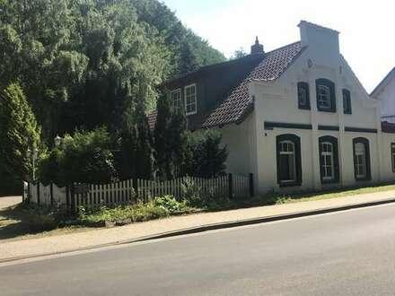 Eigenheim im schönen Bad Helmstedt sucht neuen Besitzer. Wohnen wo andere spazieren gehen.