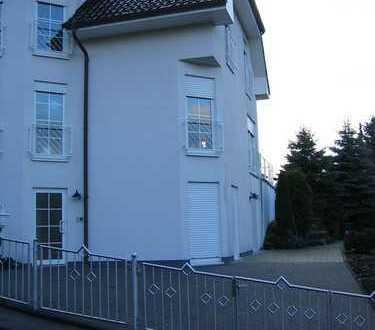 Sehr schöne, geräumige ein Zimmer Wohnung in Ennepe-Ruhr-Kreis, Gevelsberg