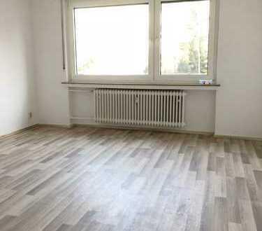 ***Dortmund-Körne-Nähe Hellweg/ Etagenwohnung mit Laminatböden & Duschbad***