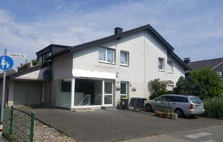 Köln/ Porz- Zweifamilienhaus mit Garten und Garage. Gewerbe im EG, Nutzungsänderung ggf. möglich.