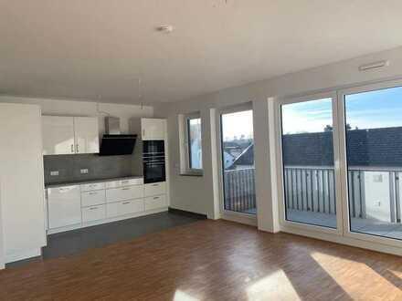 Neuwertige 4-Raum-Wohnung mit Balkon und Einbauküche in Rödermark-63322