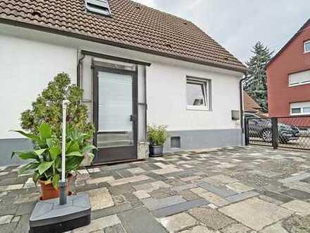 6411 - Charmantes Einfamilienhaus in ruhiger, dennoch zentraler Lage - vollständig renoviert!