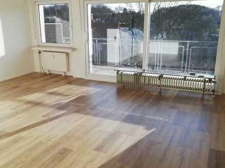 Helle, frisch renovierte 3 Zimmer Wohnung in sehr guter Lage, 80 qm