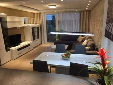 Möblierte, sanierte 3-Zimmer Penthouse-Wohnung in ruhiger, zentraler Lage