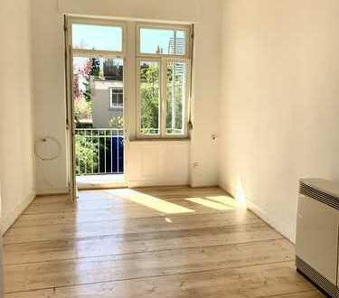 Schöne modernisierte 3-Zimmer-Altbauwohnung mit Balkon in Bessungen