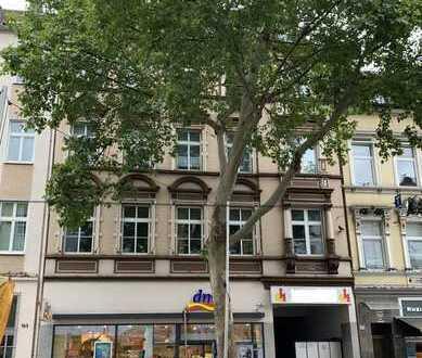 Schöne helle 5-Zimmer Wohnung in Düsseldorf, Düsseltal / Zoo (Nähe Brehmplatz) mit großem Balkon