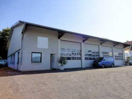 Gewerbehalle mit exklusivem Wohnhaus Nähe der Autobahn!