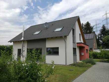 Provisionsfrei: Freistehendes Einfamilienhaus in ökologischer Bauweise