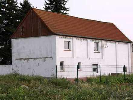 Stark sanierungsbedürftiges Haus erfordert Ihr Geschick!!!