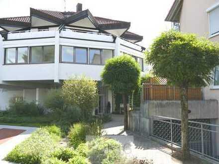 Repräsentative, außergewöhnliche 4,5-Zimmer-Wohnung mit Terrasse in Steinenbronn! Objekt-Nr. 2520