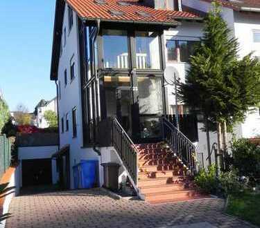 Doppelhaushälfte mit Traum von Wintergarten & großer Terrasse
