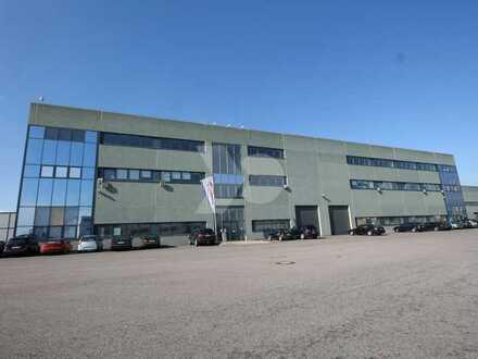 TOP-Logistikflächen mit Überladebrücken/Rampen und moderne Büroflächen