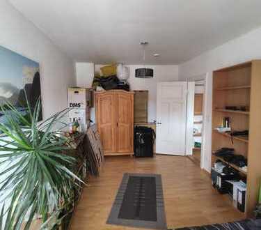 Schönes Zimmer in großer 135 m² 2er-WG in der Altstadt (Maisonette)