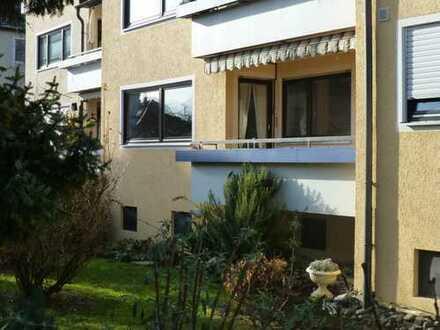 Gepflegte 3,5-Zimmer-Hochparterre-Wohnung mit Balkon in Reutlingen