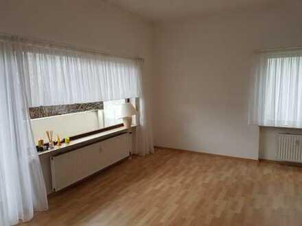 Modernisierte 3,5-Zimmer-Wohnung mit Balkon und Einbauküche in Steinenbronn