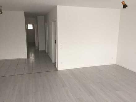 650 €, 77 m², 2 Zimmer zzgl. Hobbyraum mit 25 m²