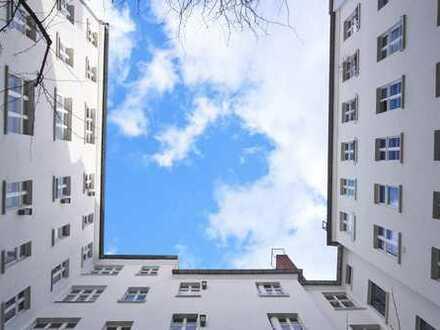 Kapitalanlage nahe Warschauer Straße! Vermietete 3-Zimmer-Altbau-Wohnung in Friedrichshain!