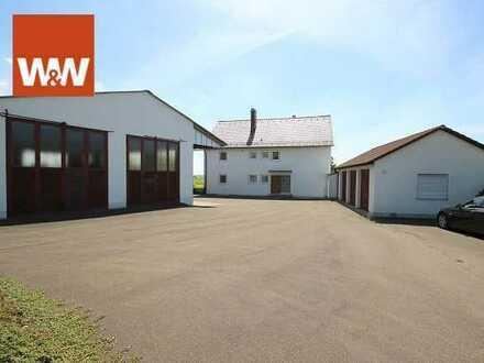 Der Traum von Platz und Freiheit! Zweifamilienhaus mit großer Werkstatt, drei Garagen und herrlichem
