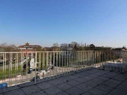 grosse Terrasse Blick auf Nymp