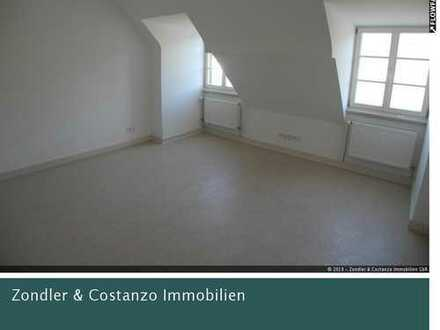 * Schöne, gemütliche 3,5-DG-Wohnung mit EBK in S-Obertürkheim! * Erstbezug n. Sanierung *