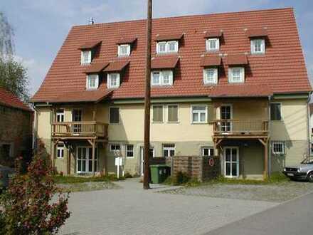 1-Zimmerwohnung im Dachgeschoss inkl. Außenstellplatz, sofort frei - Selbstbezug oder Vermietung
